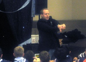 Pennsylvania Magician Eddy Ray Performing Magic